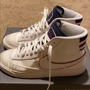 Women's Vintage satin Nike sneakers